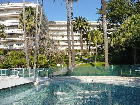 French Riviera Home with a Pool and Garden, de Luynes - Image 1 - Cannes - rentals