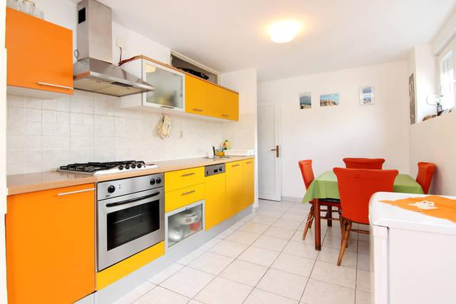 kitchen - nice apt 5 min from center , free parking - Split - rentals