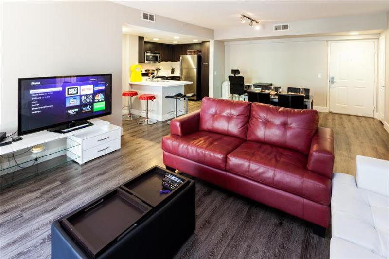 Santa Monica: Corporate and Vacation Suites - 2 bedroom - Image 1 - Santa Monica - rentals