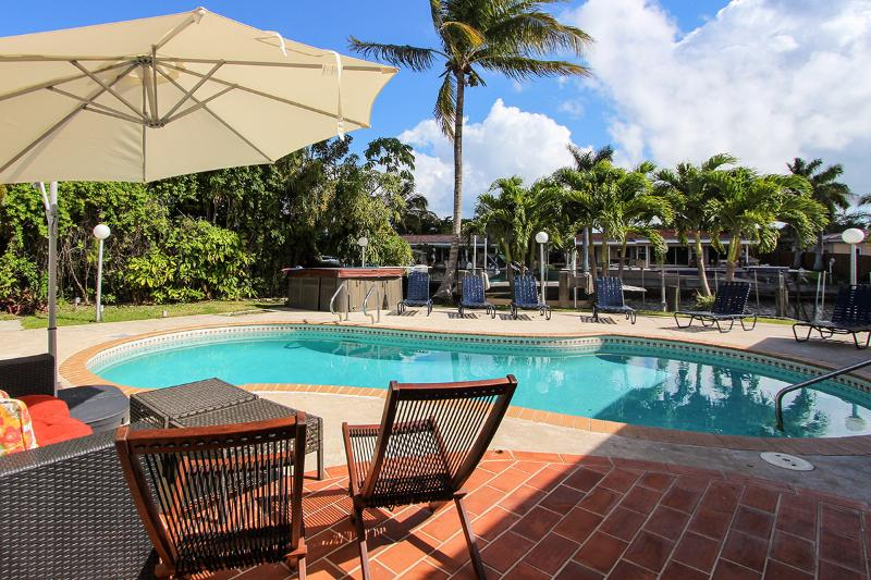 May 1-23 $3400/wk MiamiBeach privPool - Image 1 - Miami Beach - rentals