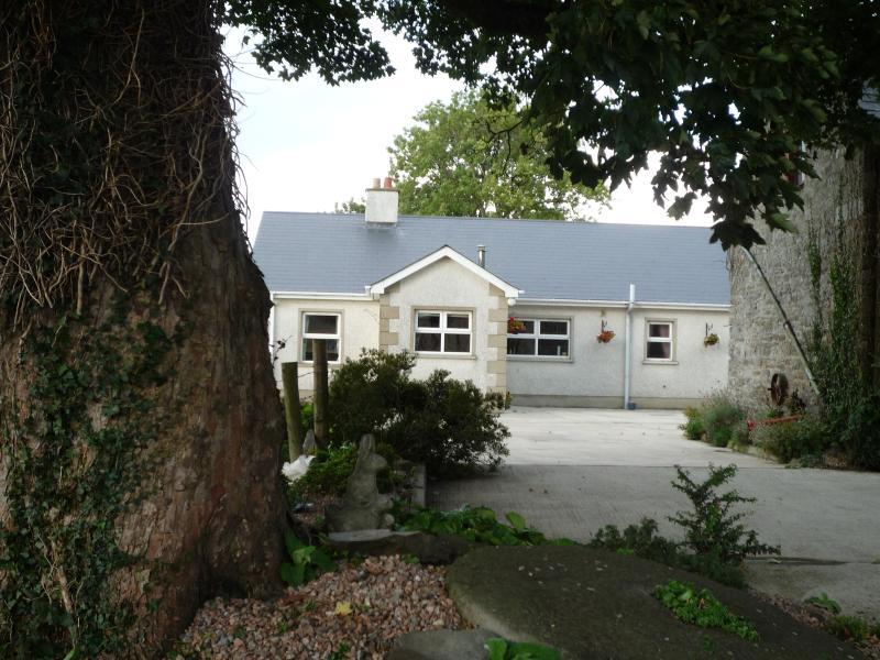 Derry City / Londonderry  Drumcorn Farm Cottage - Image 1 - Derry - rentals