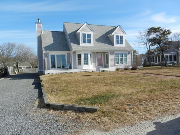 Gorgeous Beach House with Water Views (1498) - Image 1 - Yarmouth - rentals