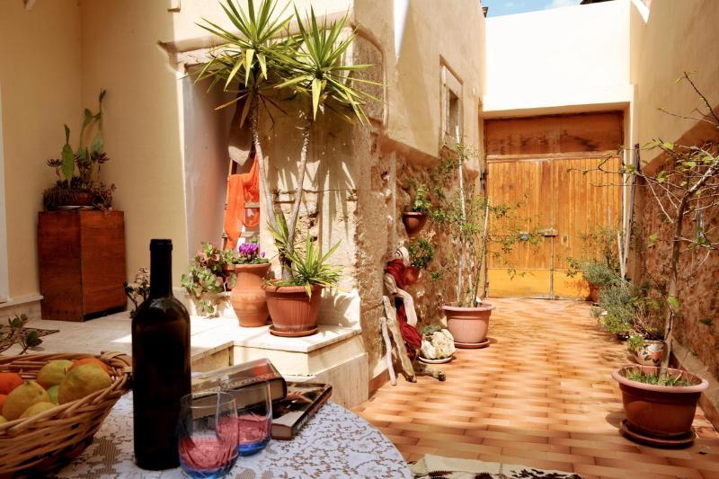 *Dammuso Cataldi - Home Holiday - * - Image 1 - Noto - rentals