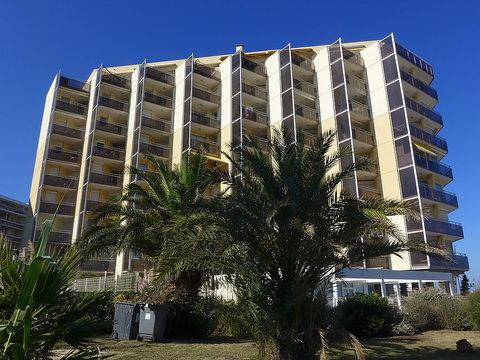 Le Beach ~ RA26897 - Image 1 - Canet-Plage - rentals