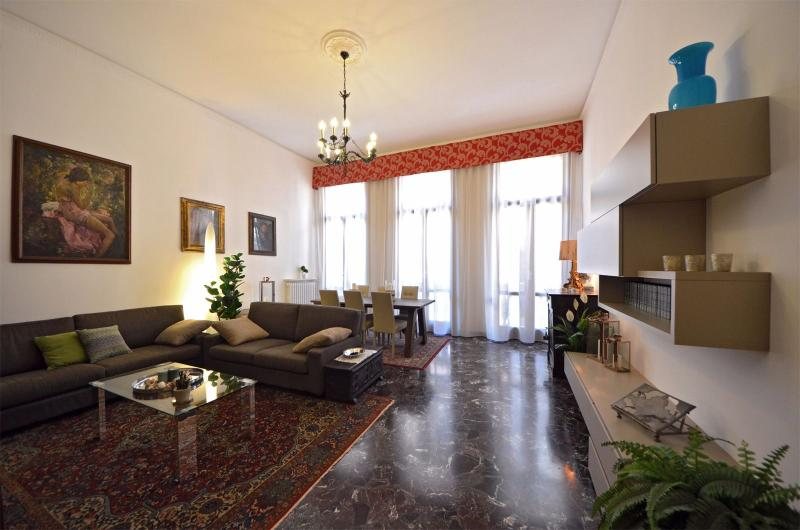 extra large and super comfortable living room - Cà Pesaro Piano Nobile - Venice - rentals