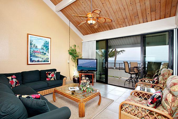 Ocean Front Prime 2 Bedroom Deluxe Condo Unit 33 - Image 1 - Lahaina - rentals