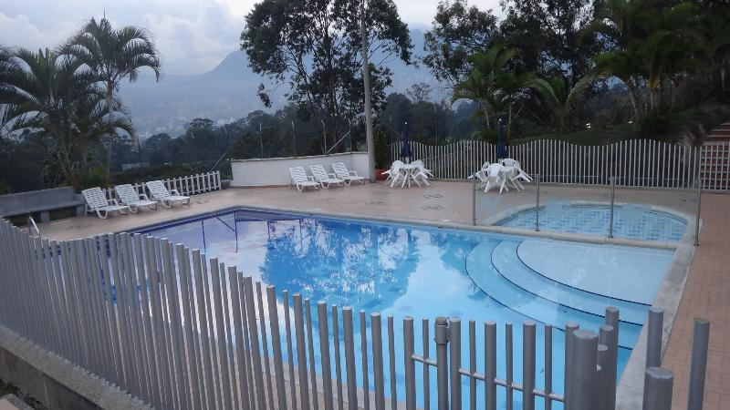 Medellin 3/3 Townhouse with Pool 0162 - Image 1 - Medellin - rentals
