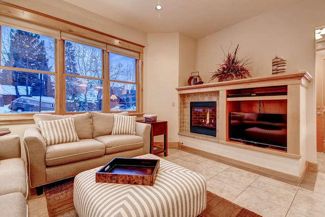 French Street Retreat - Hot tub, In town location! - Image 1 - Breckenridge - rentals