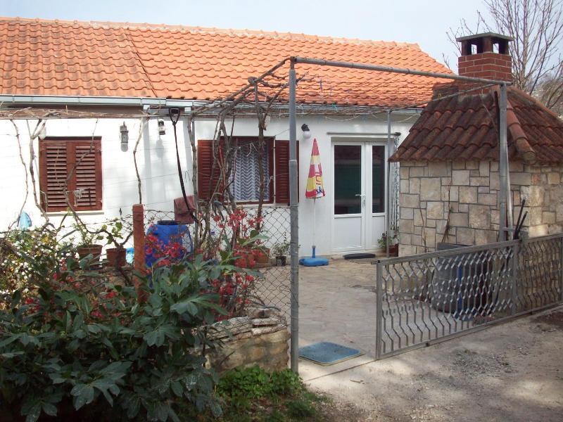 A1(2+1): garden terrace - 5527 A1(2+1) - Bobovisca - Bobovisca - rentals