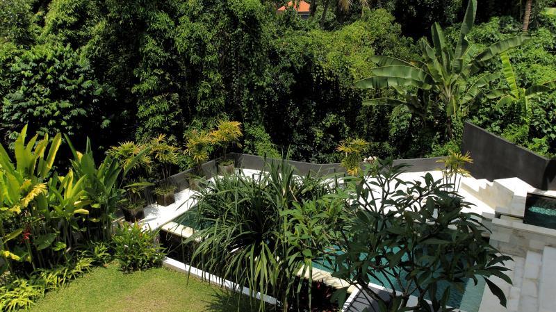Villa Jumah Gangga on Jalan Bisma - Image 1 - Ubud - rentals