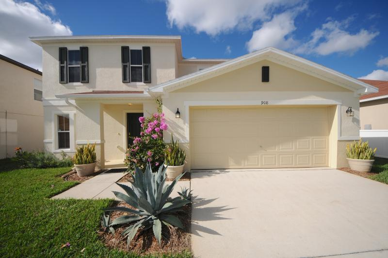Welcome to Sunset Haven! - Sunset Haven. Luxury 4b/r pool home near Disney - Davenport - rentals