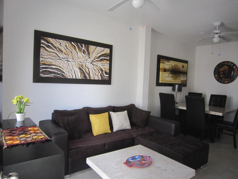 living room with dinning room - Casa Elisabeth Tulum-Great for travelers&divers! - Tulum - rentals