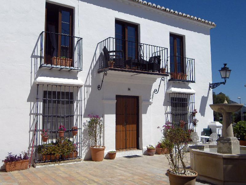 Los Molinos, 2015 New furnished verandah & sunny square below, now 2 choices for relaxing outdoors! - Mijas Pueblo holiday home rental apartment/flat - Mijas Pueblo - rentals
