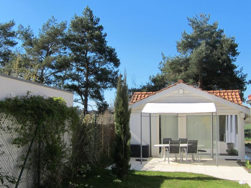 The cottage - Garden Cottage - very close to the city! - Geneva - rentals
