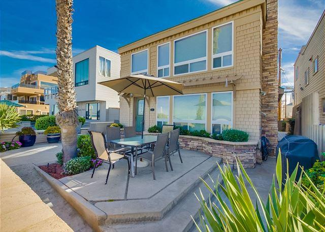 Exterior - Luxurious Ocean front stand alone home with ocean views throughout. - Pacific Beach - rentals