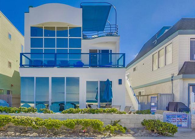 Exterior View from Boardwalk - Stunning oceanfront penthouse- glass living room, multiple decks, jacuzzi tub - Pacific Beach - rentals