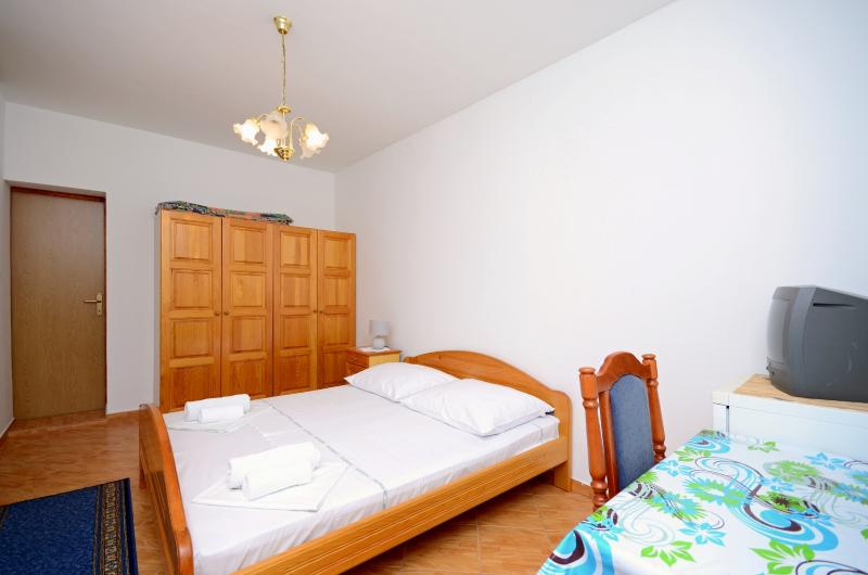 Rooms Devčić - 61591-S2 - Image 1 - Senj - rentals