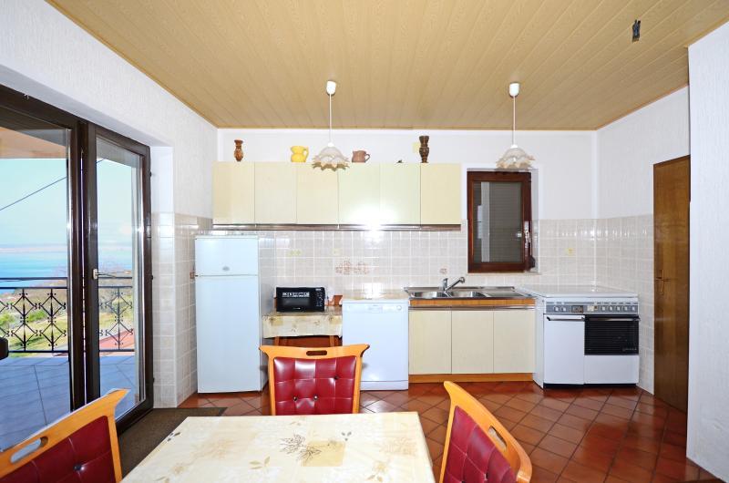 Apartment Klaudia - 66591-A1 - Image 1 - Dramalj - rentals