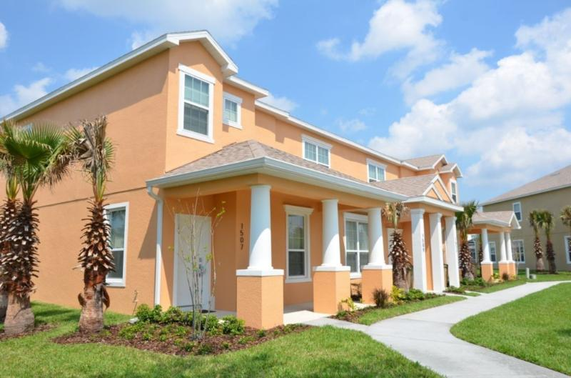 Serenity Resort 3Bed Townhome w/ Pool, Frm $105pn! - Image 1 - Orlando - rentals