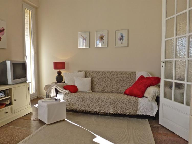 Near the Croisette and Palais des Festivals, Suquet View Flat, Cannes - Image 1 - Cannes - rentals