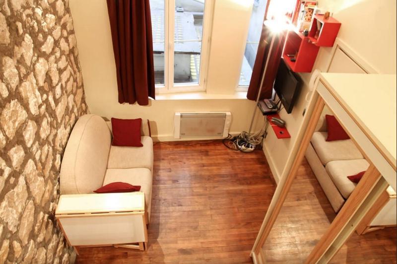 View from the mezzanine - Le Marais, Cosy Apt, Great Location - Paris - rentals