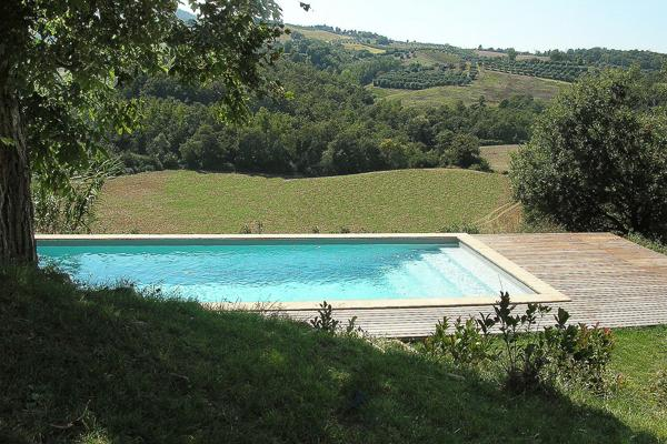 Just minutes from Todi, this modern, 3 bedroom villa offers breathtaking views over the rolling hills of Umbria HII BEA - Image 1 - Umbria - rentals