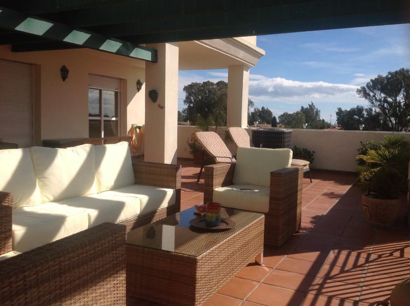 """Comfortable Terrace - Nueva Andalucia holiday apartment """"Lorcrimar Iv"""" - Puerto José Banús - rentals"""