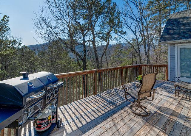 Laurel Hill on Lynx - Mountain Views and Close Access to Golf Course - Image 1 - Black Mountain - rentals