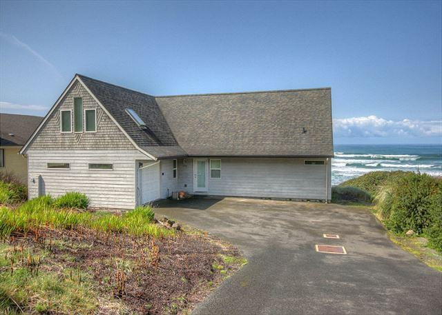 Sweet Retreat--R521 South Beach Oregon ocean front vacation rental - Image 1 - South Beach - rentals