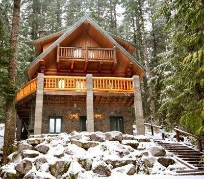 CR101uMapleFalls - Snowline #47 Rustic Getaway Home w/Hot Tub - Image 1 - Glacier - rentals