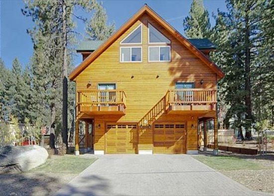 1175WB-Deluxe Tahoe Property close to Heavenly Village and Casinos - Image 1 - South Lake Tahoe - rentals