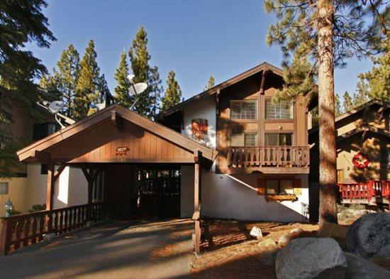 1198T-Beautiful remodeled cabin with free access to community hot tub and summer pool - Image 1 - South Tahoe - rentals