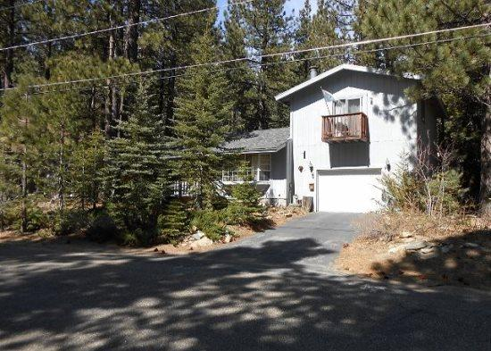 763K-Mountain Cabin with big sleeping loft area and hot tub, nice wooded area - Image 1 - South Lake Tahoe - rentals