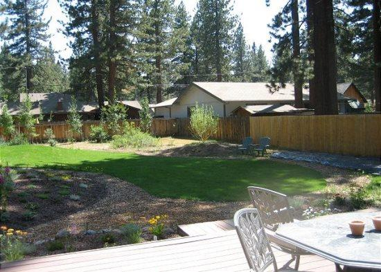 V23-Fantastic Tahoe cabin near the Lake with fenced backyard, hot tub, pets allowed - Image 1 - South Lake Tahoe - rentals
