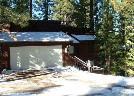 V24-Tahoe cabin in the Pines, quiet location, wonderful back deck set in the trees, affordable pricing - Image 1 - South Lake Tahoe - rentals