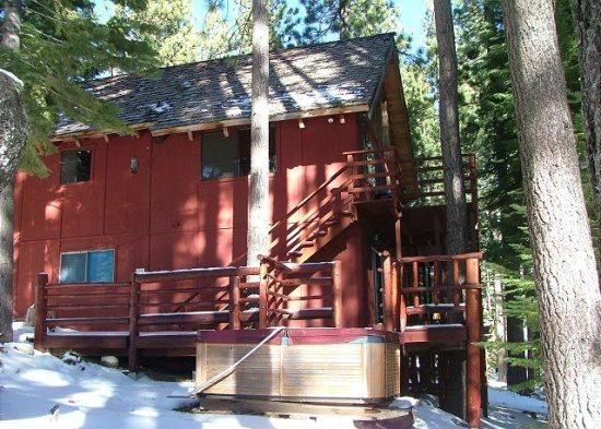 V45-Great Cabin, Secluded in a quiet setting & completely surrounded by towering pine trees - Image 1 - South Lake Tahoe - rentals