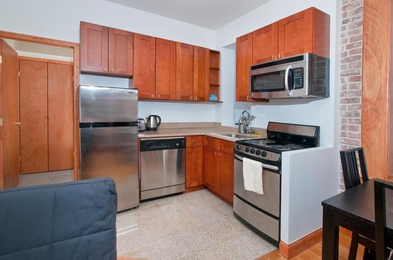 Great 2 bedrooms at midtown east - Image 1 - New York City - rentals