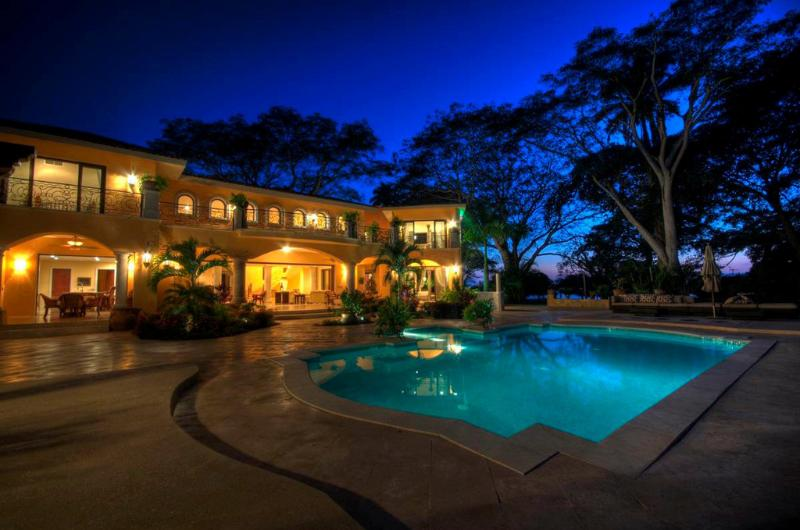 Pool terrace at night - Casa de Leon - Private, gated community close to the beach! - San Pancho - San Pancho - rentals
