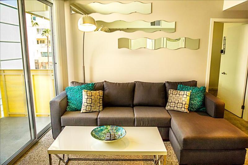Aqua Deux Luxury Apartment by the Sea - Image 1 - Santa Monica - rentals