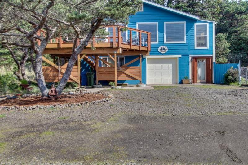 Dog-friendly home with ocean views, easy beach and bay access & a shared pool! - Image 1 - Waldport - rentals