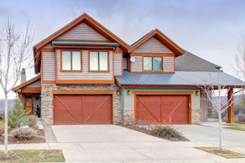 Luxurious home with room for 10 and a private hot tub! - Image 1 - Heber City - rentals