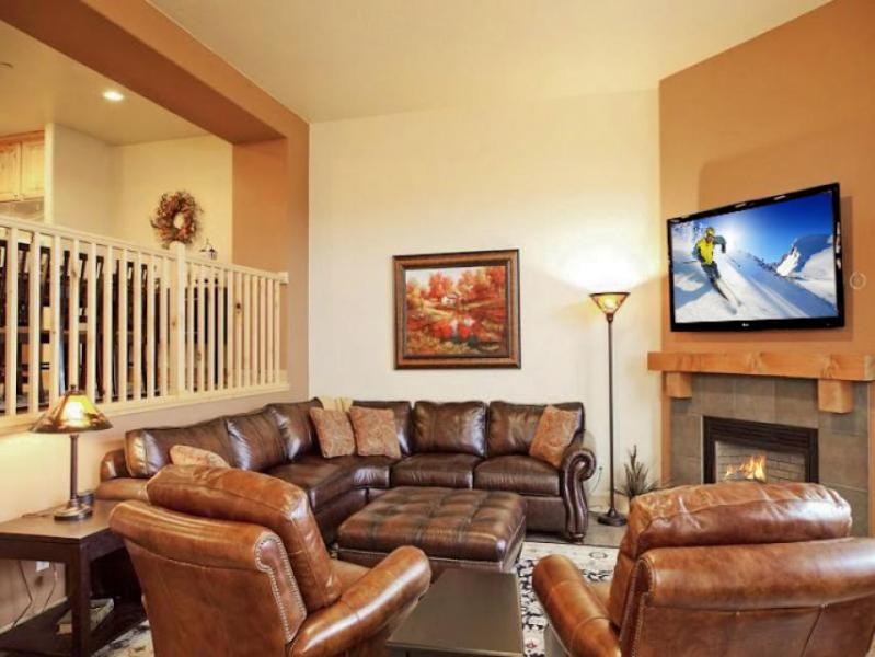 Two story, posh townhome w/ private hot tub, views, & shared pool access! - Image 1 - Park City - rentals