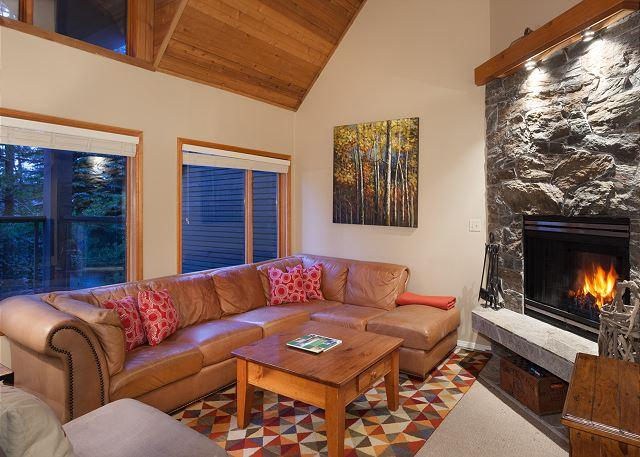 Sunken Living Room with Fireplace and Flat Screen TV - Cedar Ridge 26 | 3 Bed + Den, Open Concept, Ski-in/Ski-Out, Private Hot Tub - Whistler - rentals