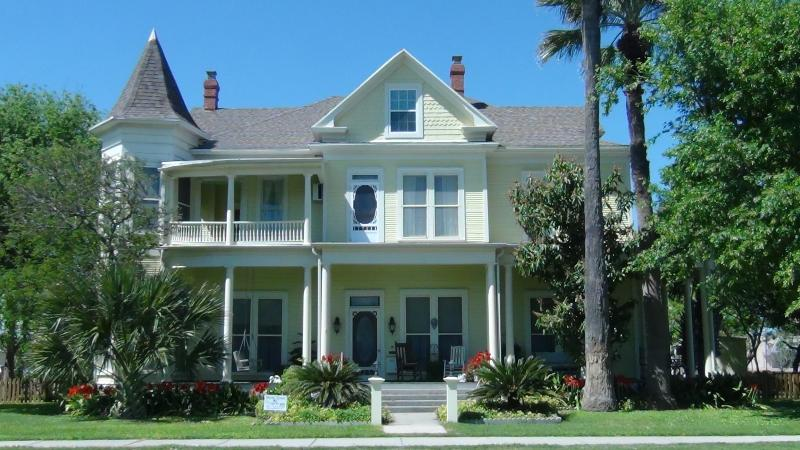 Angel Rose Bed & Breakfast - Image 1 - Rockport - rentals