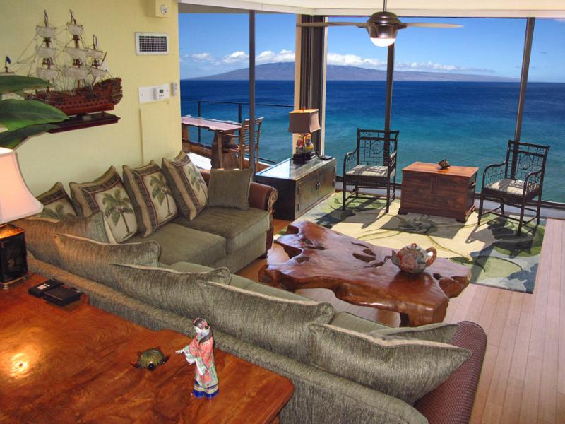 Seating by the incredible wall to wall windows - August $350 OcnFrt Corner Mahana Luxury 2 King BR - Lahaina - rentals