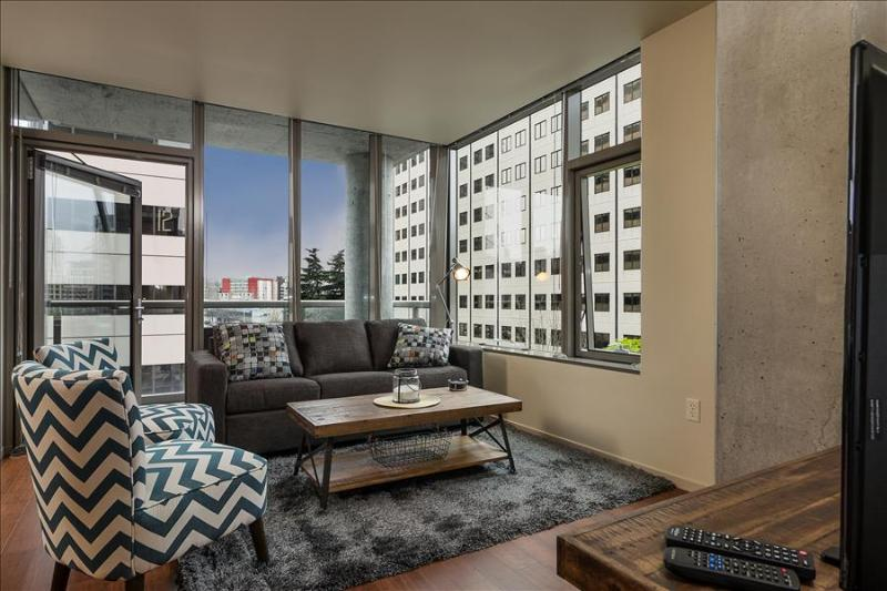 Stay Alfred Best Location with Amazing Dining V62 - Image 1 - Seattle - rentals