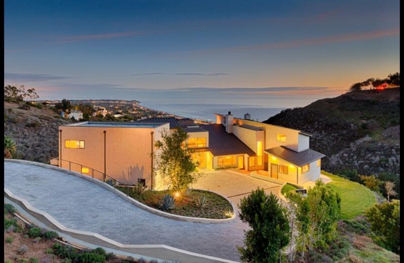 Beachview - Image 1 - World - rentals