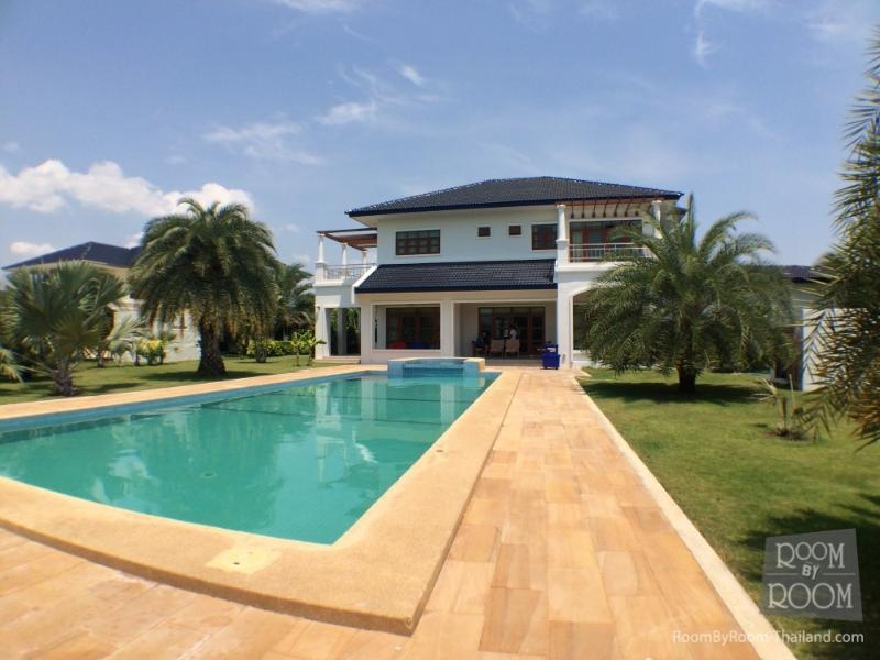 Villas for rent in Hua Hin: V6183 - Image 1 - Hua Hin - rentals