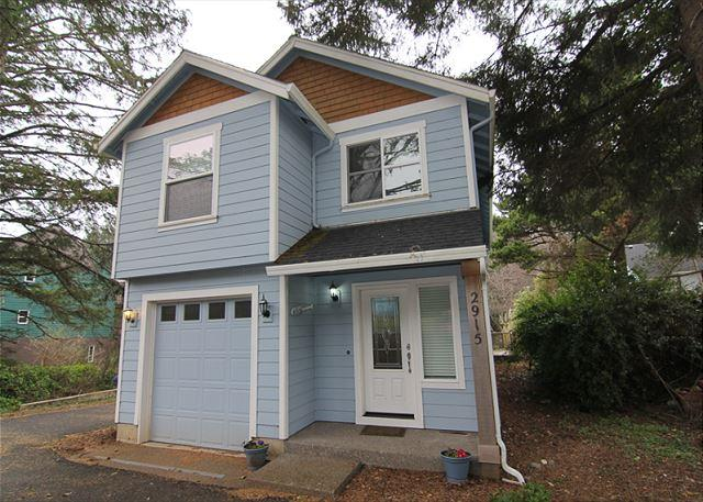 Charming Home Set in Serene Wooded Area of Lincoln City's Nelscott District - Image 1 - Lincoln City - rentals
