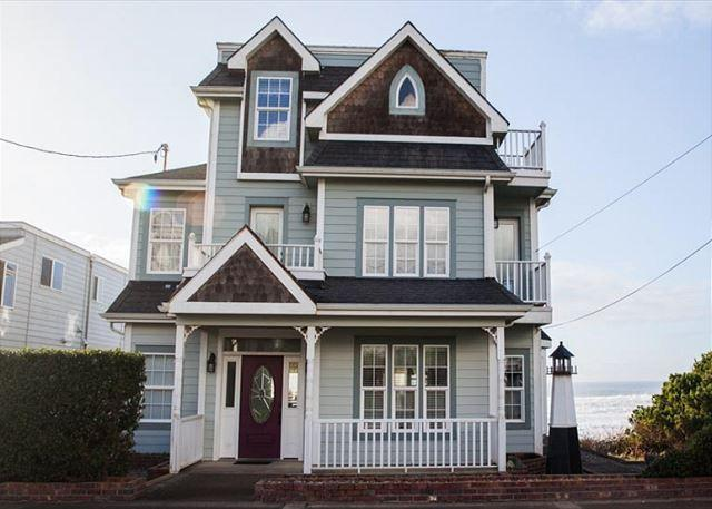 Ocenfront 5 Bed/5 Bath Roads End Victorian Beauty - Image 1 - Lincoln City - rentals